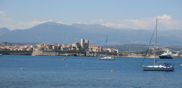 Antibes Zoomed harbor
