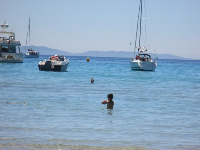 L'Estagnol. Swimming with the boats