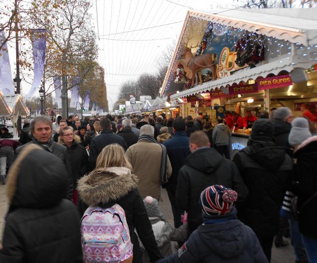 christmas-marche-parisian-chic-non