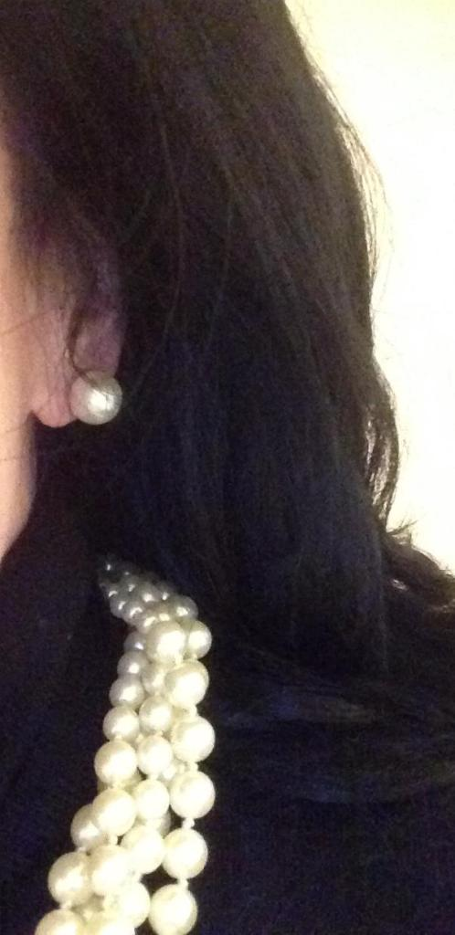 pearl-earrings-pearl-necklace-boom