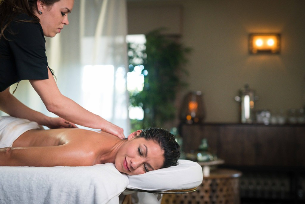Spa_Woman_Massage_Camelback_Lodge_1_PoconoMtns_c0fcfb32-06a7-44df-a8da-769460ef6b93
