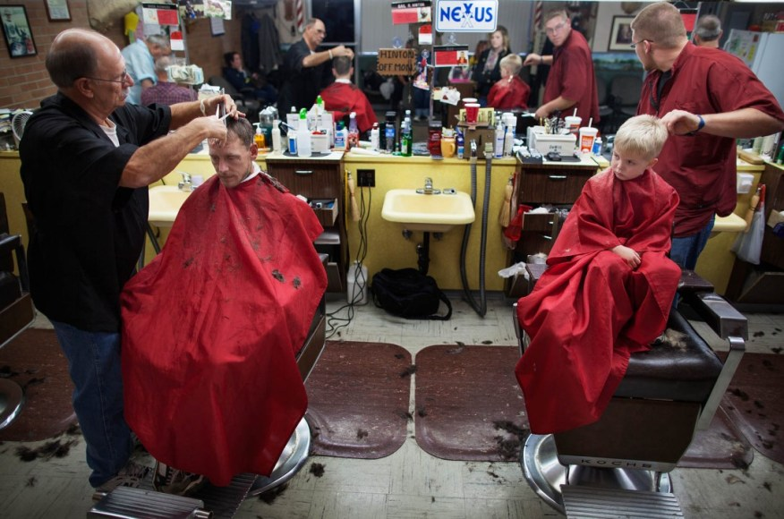 Sara Lewkowicz / Shane i Kayden tallant-se junts el cabell.