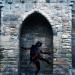 Une demoiselle fantôme dans une échauguette d'Avignon