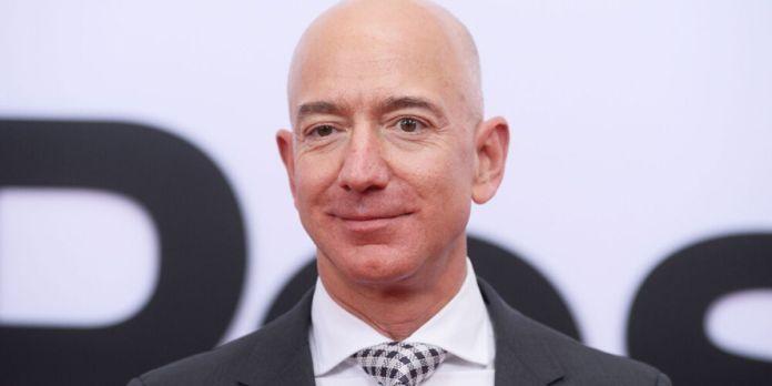 Blue Origin. Un milliardaire a déboursé 28 millions de dollars pour être avec Jeff Bezos