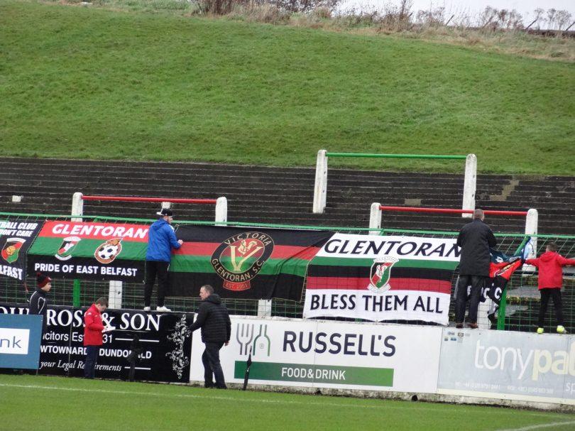 Glentoran FC - Crusaders FC à Belfast