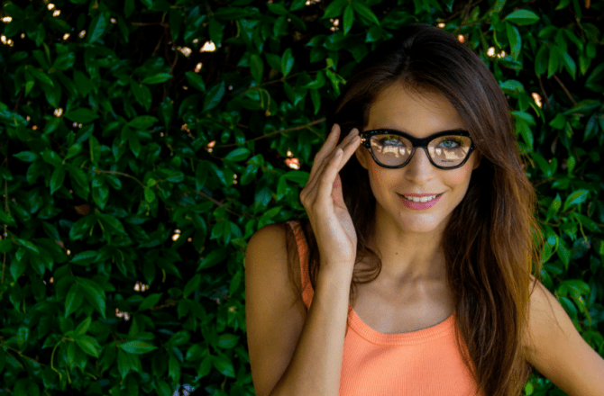 44d3d2619c6a 6 Reasons Wearing Glasses is Better than Contacts