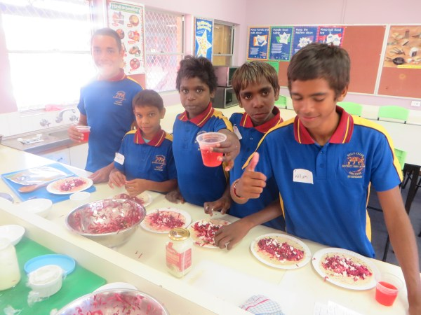 Halls Creek kids keen to cook and eat — EducationHQ Australia