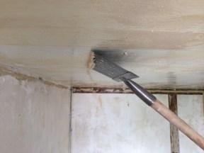 plafond colle polystyrène
