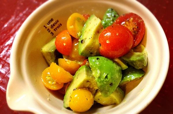 アボカドとトマトのサラダのレシピ