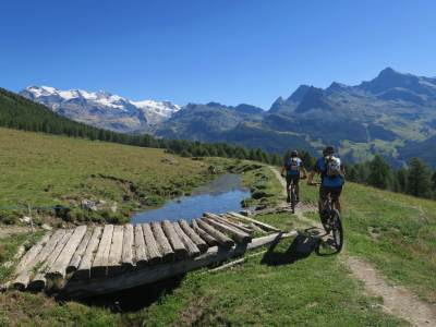 Discovering the Aosta Valley by E-bike