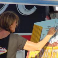Michelle-Auboiron-Neon-Boneyard-peinture-live-a-Las-Vegas-7 thumbnail