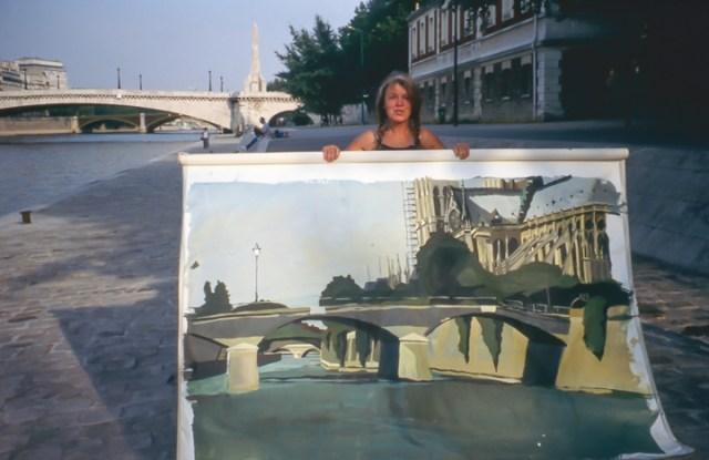 Michelle-Auboiron-peint-in-situ-les-Ponts-de-Paris-Photo-Anne-Sarter-15