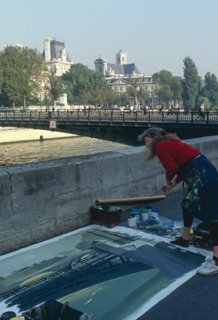 Michelle-Auboiron-peint-in-situ-les-Ponts-de-Paris-Photo-Anne-Sarter-30
