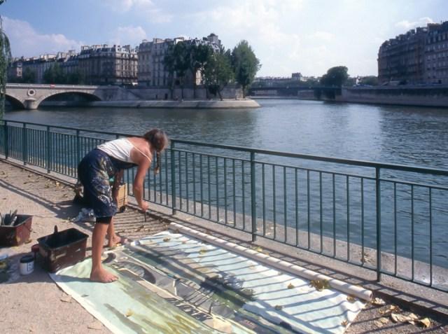 Michelle-Auboiron-peint-in-situ-les-Ponts-de-Paris-Photo-Anne-Sarter-32