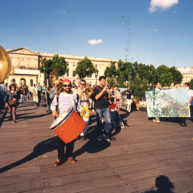 Vernissage-Exposition-Les-Ponts-de-Paris-peintures-de-Michelle-Auboiron-avec-la-galerie-Verneuil-Saints-Peres-Paris-quai-du-Louvre-18 thumbnail