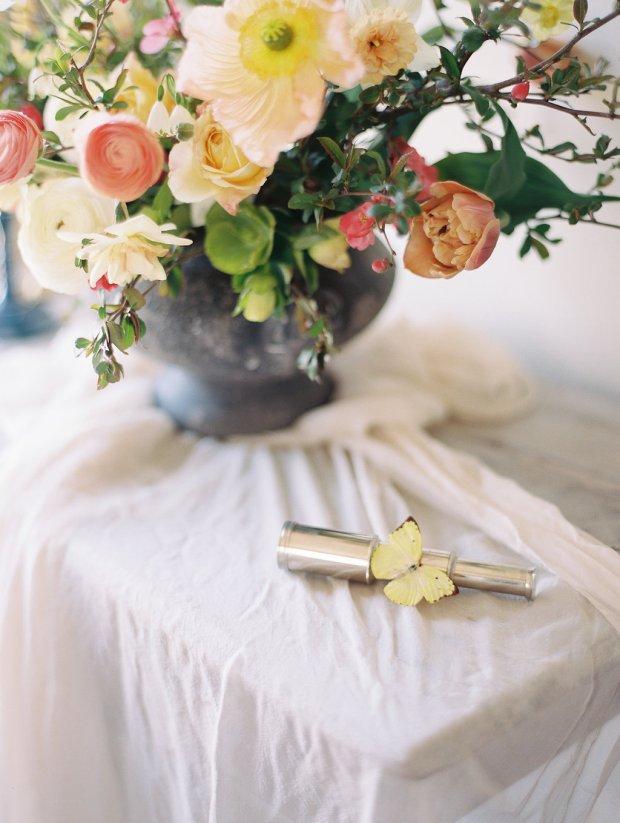 naturalistic wedding details