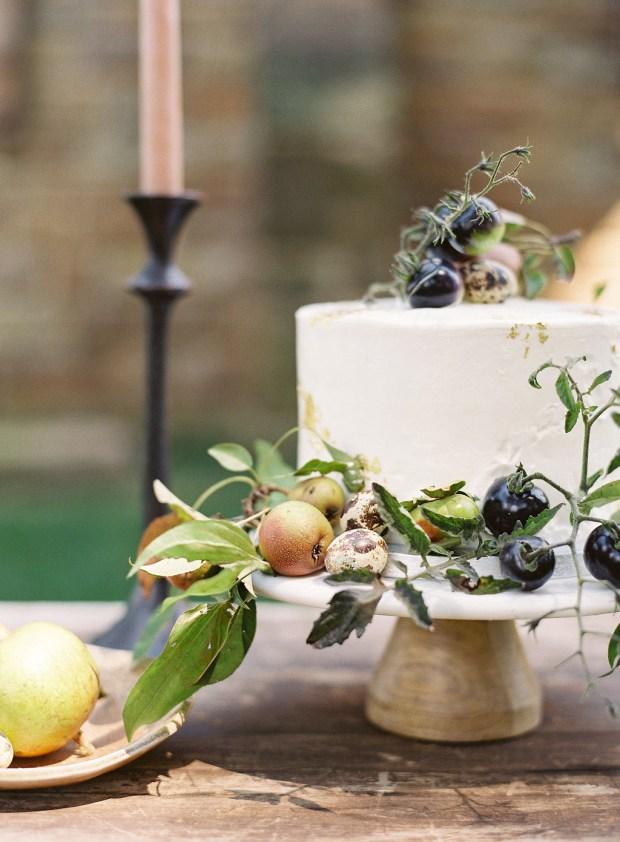 Le Gateau in Columbus Ohio, fruit wedding cake