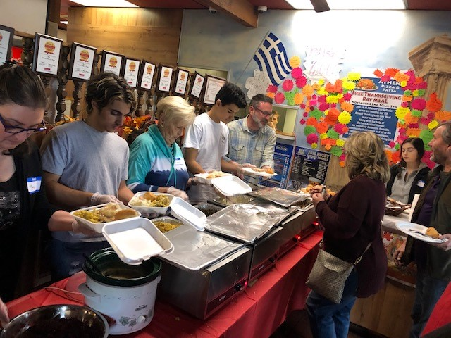 Athens Pizza and Pasta, Free Thanksgiving Dinner, Thanksgiving Dinner, Outreach, Community Support, Barbers Against Hunger, Auburn WA, City of Auburn