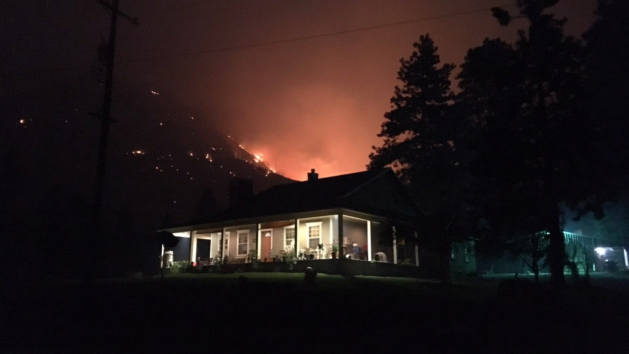wildfire, washington wildfire, house in wildfire
