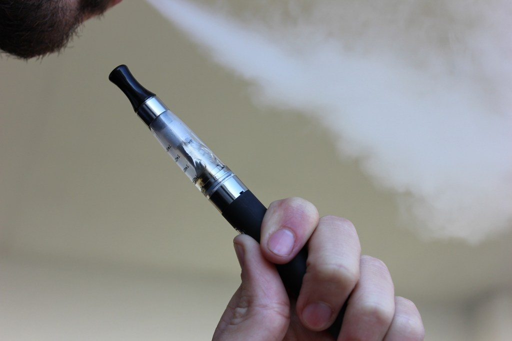 vape, vape pen, vaping, vaping illness, lung disease caused by vaping