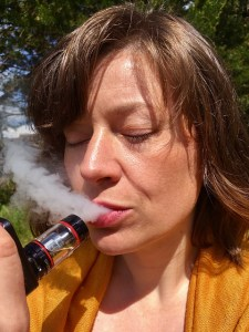 vaping, vape, vape pen, vape illness, vape lung disease