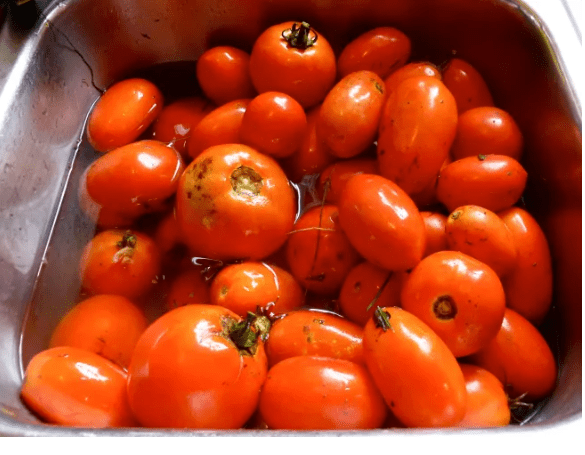 No-cook tomato sauce for the freezer…