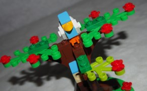 Set LEGO 40236 Pique-nique romantique de la Saint-Valentin-arbre 2