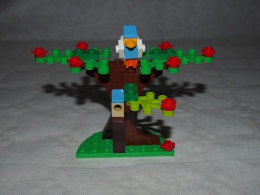 Set LEGO 40236 Pique-nique romantique de la Saint-Valentin-arbre