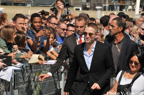 Robert Pattinson planches fans deauville 2017