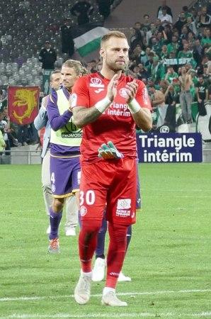 Ligue 1 : Baptiste Reynet, gardien du Toulouse FC, auteur d'un arrêt décisif sur le penalty de Bahoken
