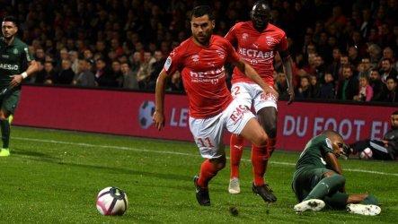 Ligue 1 saison 2019-2020 : Nîmes a perdu de nombreux joueurs à l'intersaison, dont son métronome Téji Savanier parti à Montpellier