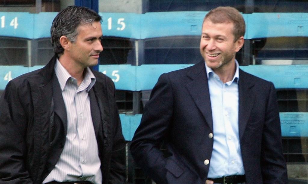 Finances Ligue 1 : Roman Abramovich a été un des premiers milliardaires à s'offrir un club de football de premier plan, en acquérant Chelsea en 2003