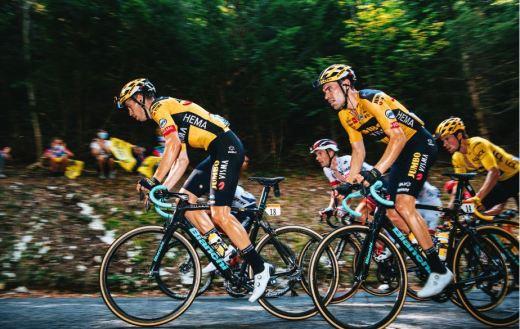 La Jumbo Visma a écrasé la concurrence sur le Tour de France mais a négligé la mise à mort