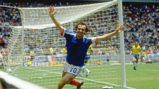 Michel Platini, auteur de son 41ème but en Equipe de France contre le Brésil
