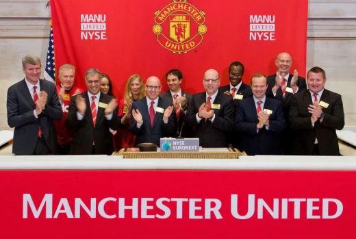 La famille Glazer, propriétaire de Manchster United, lors de l'introduction du titre à la Bourse de New York en 2012.