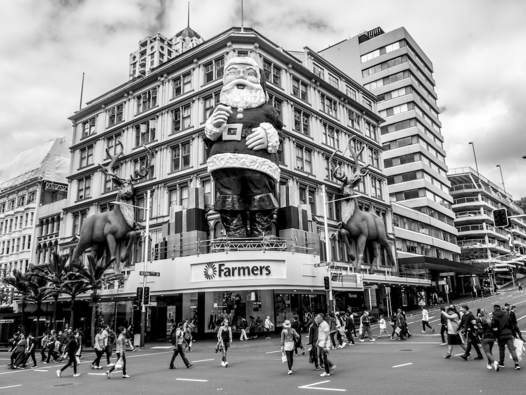 Queen Street - Black & White - Street Photography Auckland