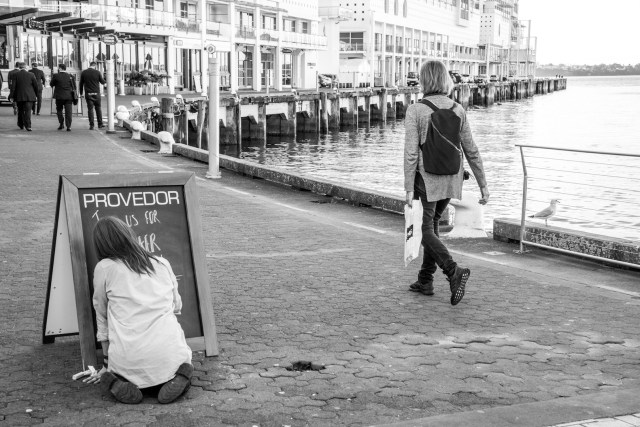 Lunchtime at Princess Wharf - Central Business District Auckland Street Photography
