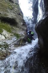 Au milieu de la grande cascade