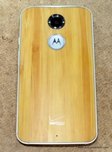 The new Moto X with bamboo back