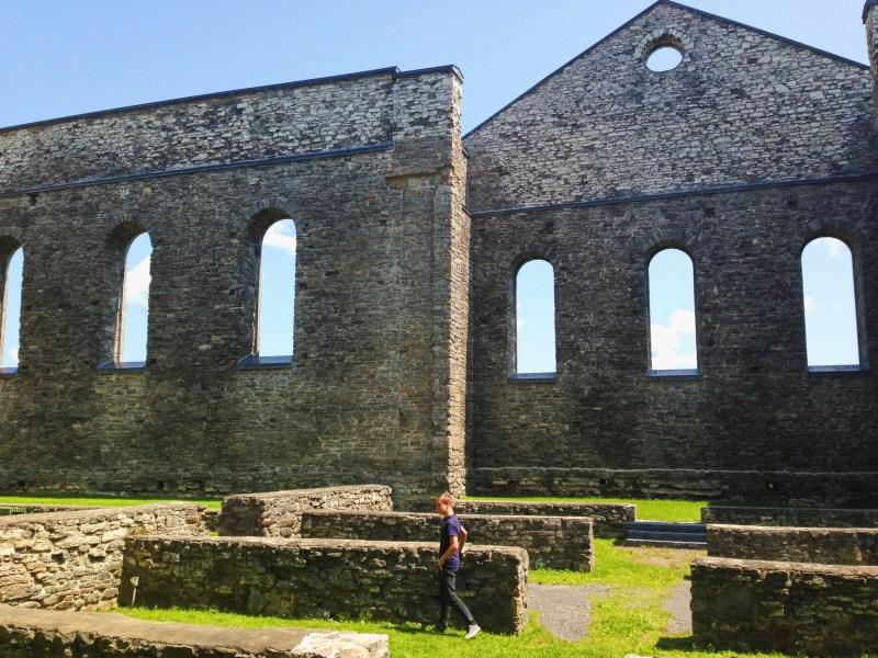 Les ruines de la cathédrale St. Raphael