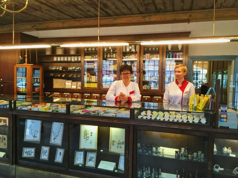 Raeapteek Pharmacy
