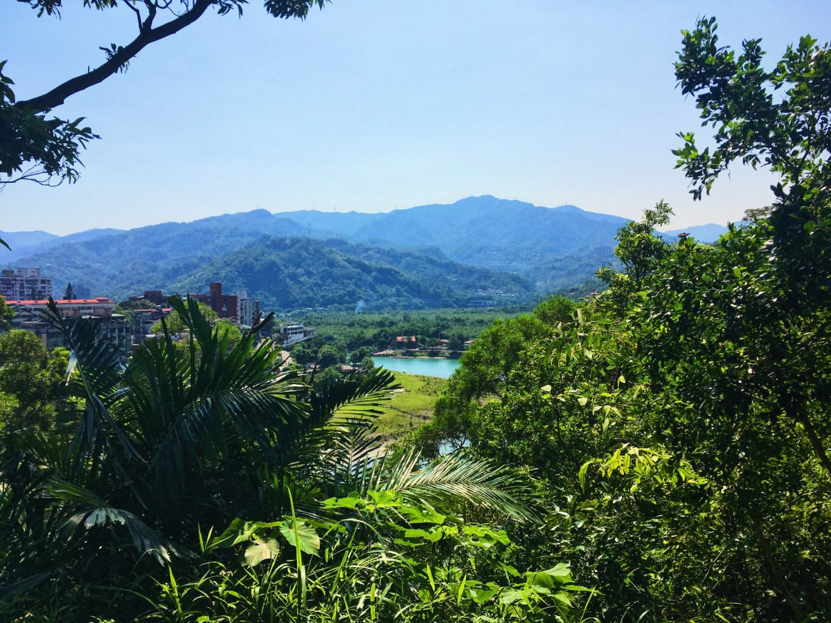 Taipei – A hike at Bitan and to the top of Hemeishan
