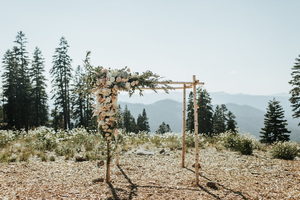 Lake Tahoe Wedding Planner | Zephyr Lodge Wedding