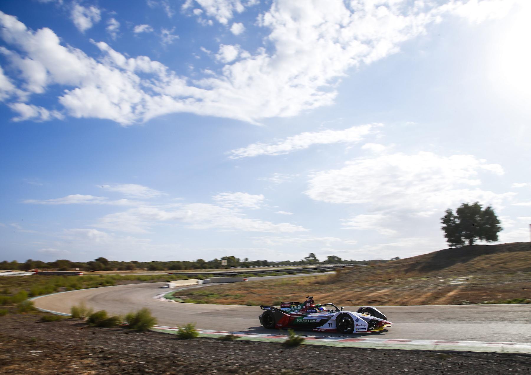 Lucas di Grassi sur la piste d'essais. (AUDI)