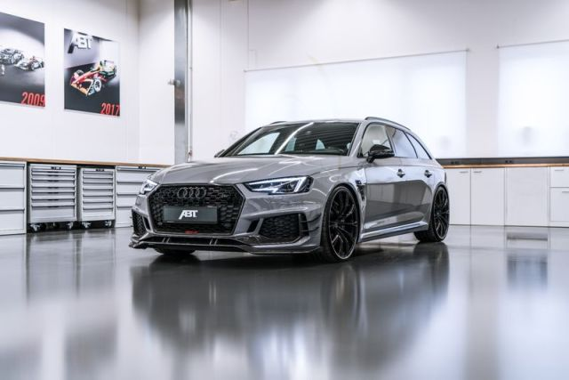 More Horses Than Spruce Meadows: ABT RS4-R with 530 HP Premieres in Geneva