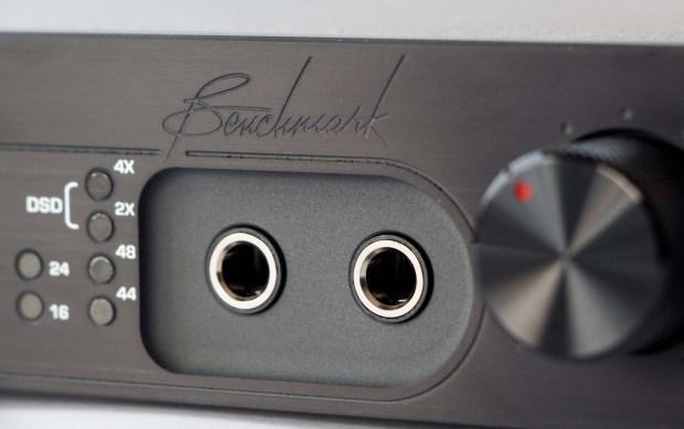 Benchmark DAC2 D DAC