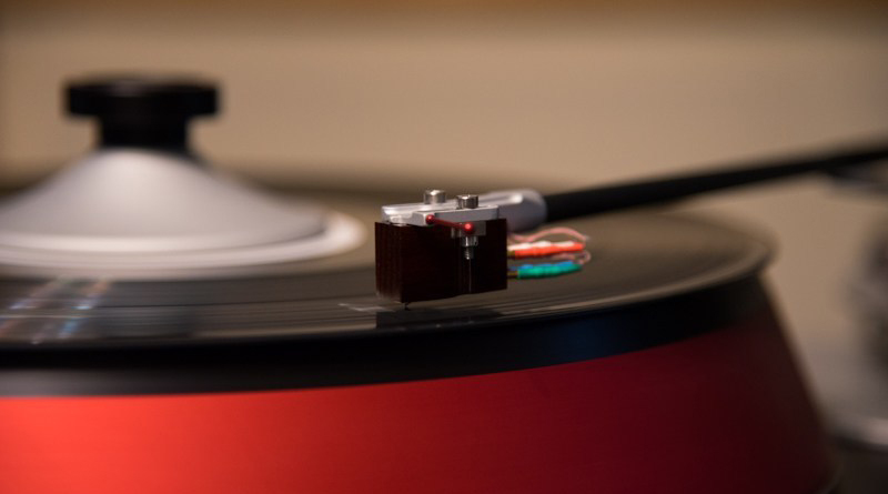 Spiral Groove Turntable
