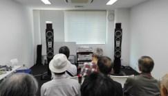 AudioBase東京初日の試聴時の様子セッティングの様子