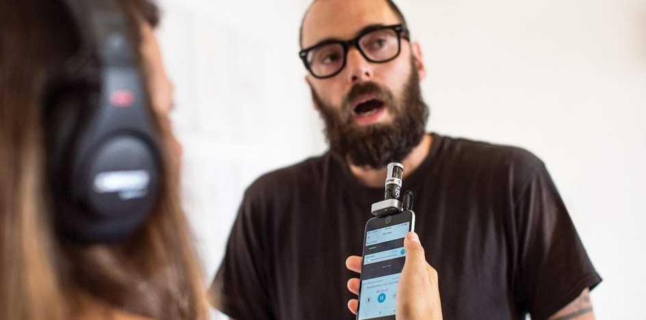 The 10 Best Podcast Microphones For iPhone - Audio Jive