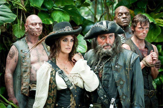"""""""Piratas el Caribe: en mareas misteriosas"""" (2011)"""